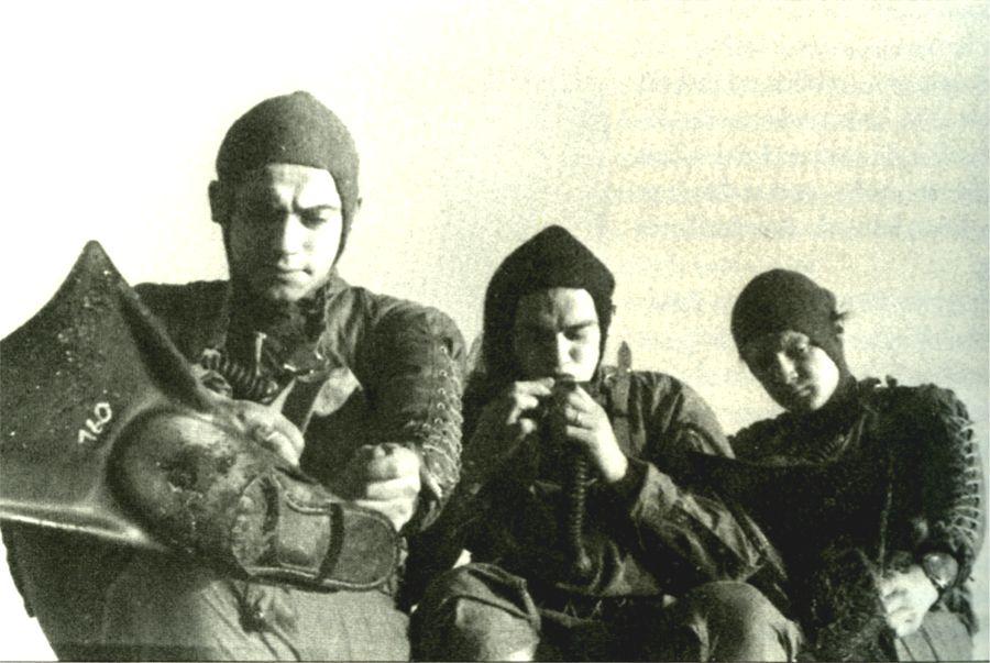http://www.therebreathersite.nl/Zuurstofrebreathers/Italian/Images%20Italy/Pirelli/WWII/pirelliWWII_08.jpg